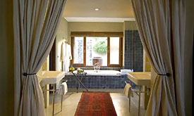 Exeter River Lodge, Bathroom
